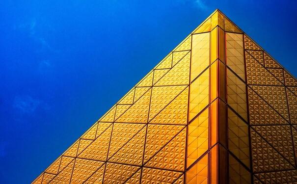 在香港金银业贸易场交易黄金的优点和注意事项